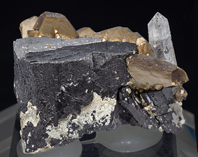 Siderite with Ferberite and Quartz. Rear