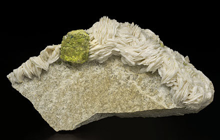 Mimetite with Galena and Baryte.