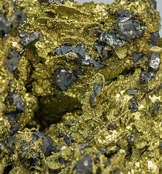 Chalcopyrite after Polybasite with Acanthite.