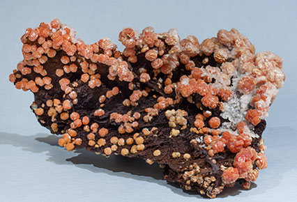 Vanadinite with Goethite. Side