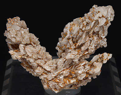 Cerussite. Front