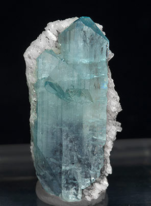 Euclase with Calcite. Side