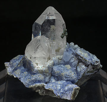 Fluorite on Topaz and Arsenopyrite with Quartz. Front