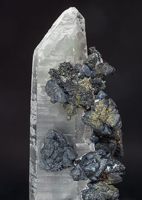 Quartz with Sphalerite and Chalcopyrite.
