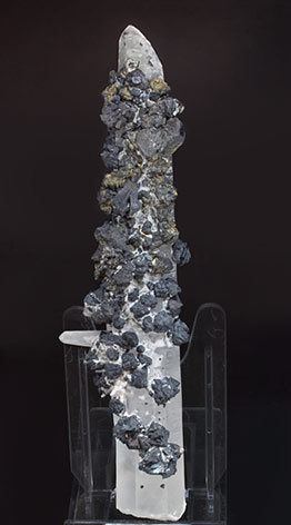 Quartz with Sphalerite and Chalcopyrite. Front