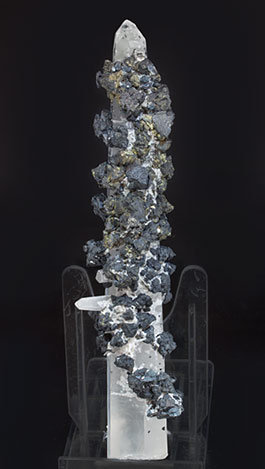 Quartz with Sphalerite and Chalcopyrite. Side