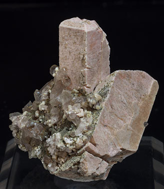 Microcline with Quartz (variety smoky) and Epidote-Clinozoisite. Front