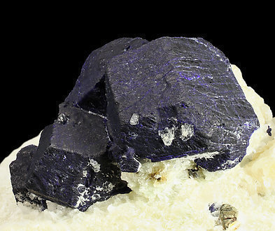 Lazurite with Calcite and Escapolite (Group).