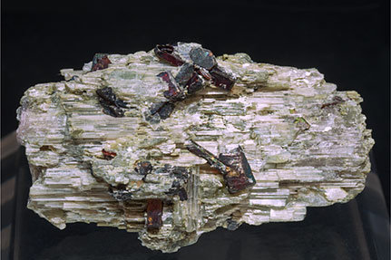 Lepidolite after Elbaite with Tantalite-(Mn).