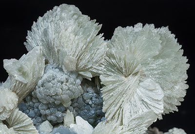 Tarbuttite with Smithsonite.
