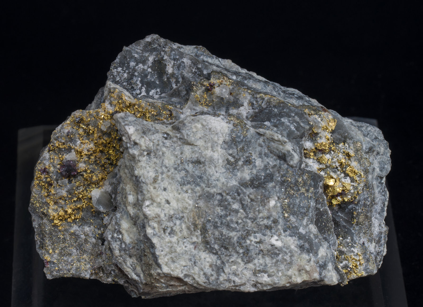 specimens/s_imagesAG5/Gold-EK51AG5f.jpg