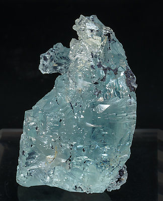 Beryl (variety aquamarine). Side