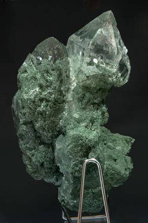 Quartz with Anatase and Chlorite inclusions. Rear