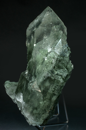 Quartz with Anatase and Chlorite inclusions. Side