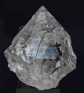 Quartz with inclusions. Side