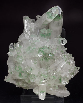 Quartz with Muscovite (variety fuchsite) inclusions. Side