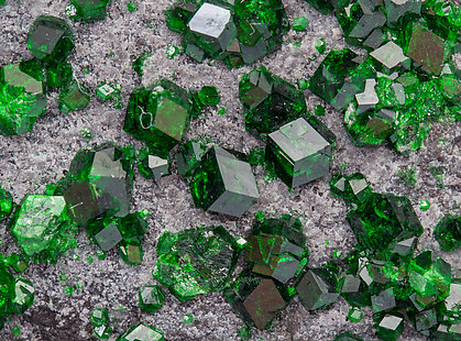 Uvarovite with Amesite.