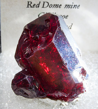 Cuprite. Close-up with side light