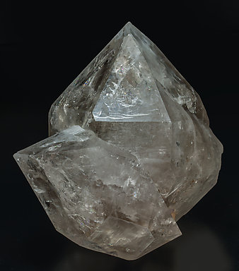 Quartz with inclusions and Fluorite. Side