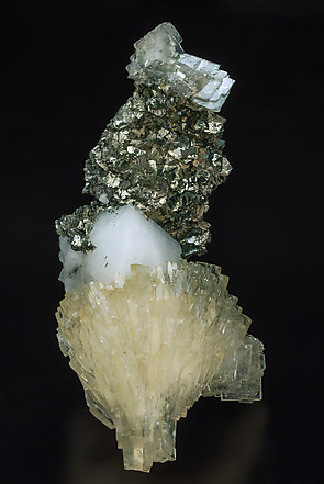 Baryte with Quartz and Pyrite. Side