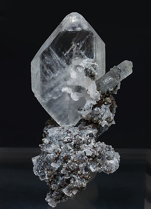 Baryte with Sphalerite and Quartz. Rear