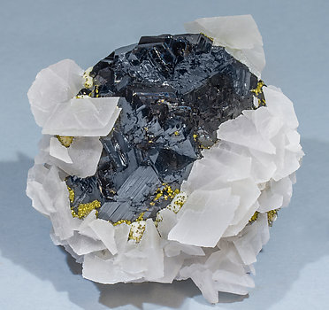 Sphalerite with Calcite and Pyrite.