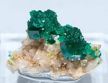 Dioptase with Quartz and Calcite. Front