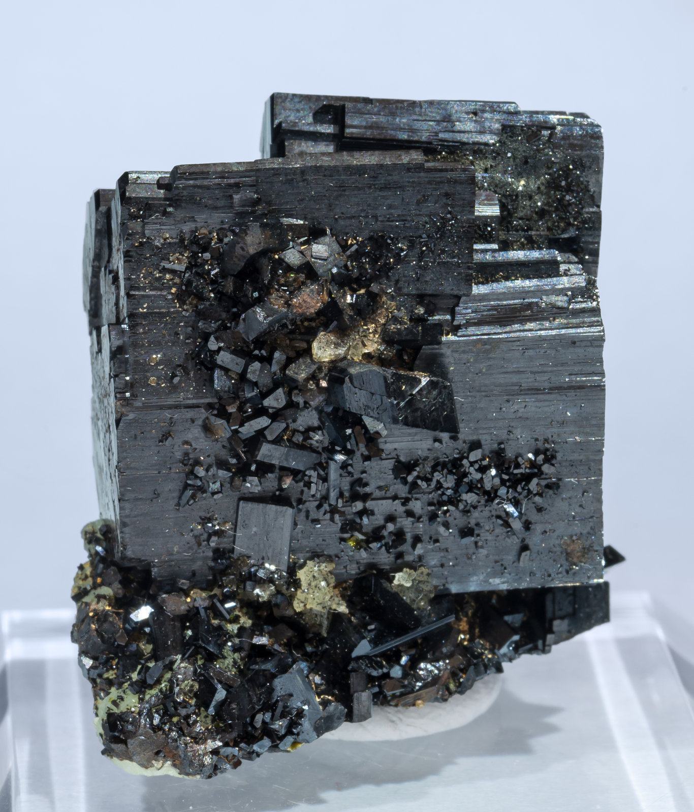 specimens/s_imagesAI3/Babingtonite-CA67AI3f.jpg