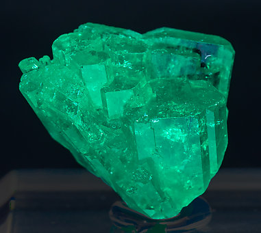 Beryl (variety emerald). Front