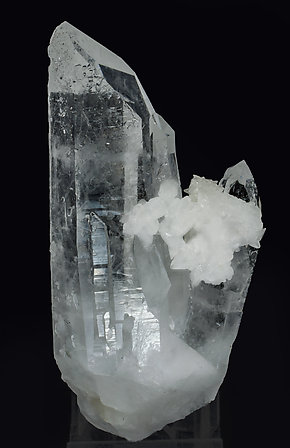 Quartz with Calcite. Rear