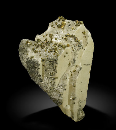Baryte with Chalcopyrite. Side