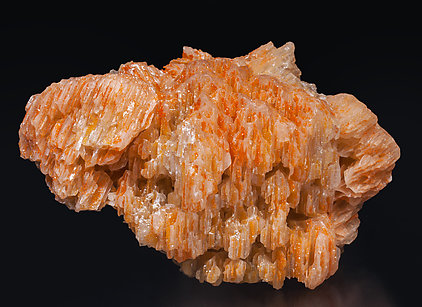 Chromium-rich Mimetite with Cerussite. Front