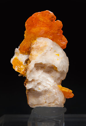 Wulfenite with Baryte. Rear