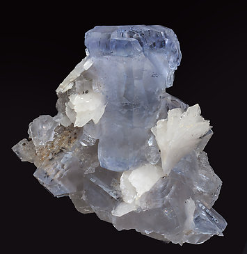 Fluorite with Baryte and inclusions.
