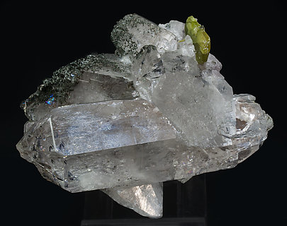 Titanite with Quartz and inclusions. Front