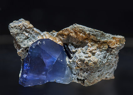 Benitoite with Neptunite.