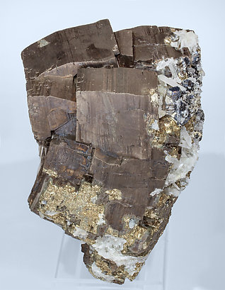 Pyrrhotite with Pyrite, Quartz and Sphalerite. Side