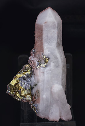 Chalcopyrite with Galena and Quartz.