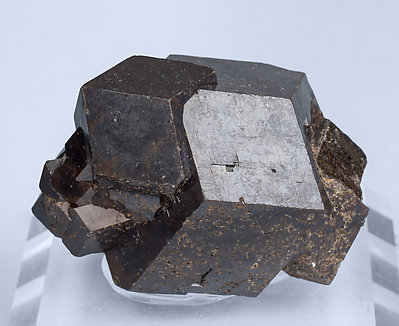 Andradite. Front