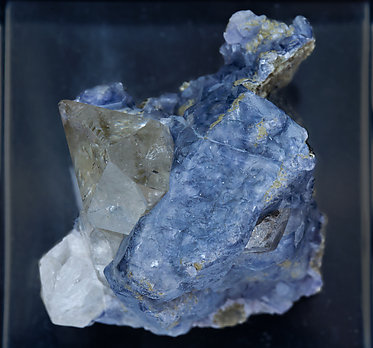 Fluorite with Ferberite, Quartz, Muscovite and Quartz. Top