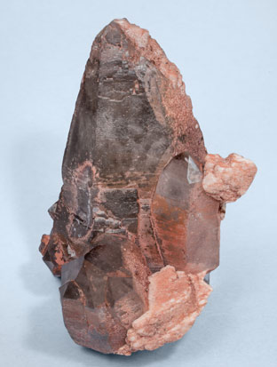 Quartz (variety smoky) with Albite. Side