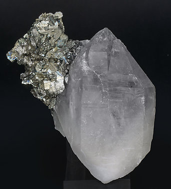 Quartz with Arsenopyrite, Marcasite, Siderite, Calcite and Muscovite.