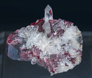 Quartz with Cinnabar.