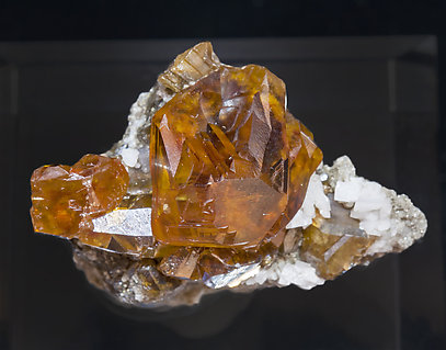 Sphalerite with Dolomite. Top