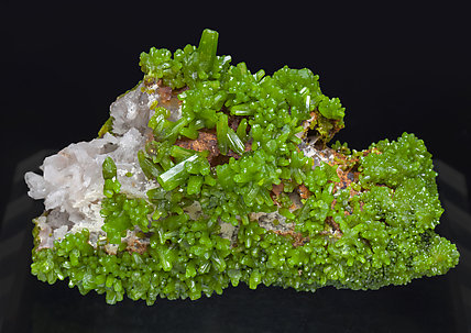 Pyromorphite with Quartz. Front