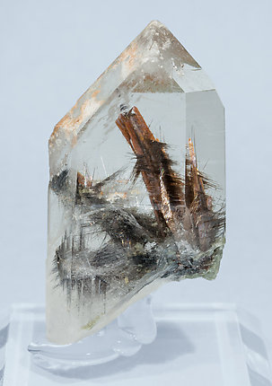 Quartz with inclusion of Brookite and Rutile. Front