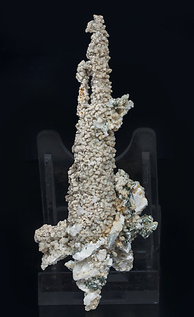Calcite (variety kanonenspat) with Chlorite and Prehnite.