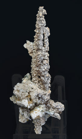 Calcite (variety kanonenspat) with Chlorite and Prehnite. Rear