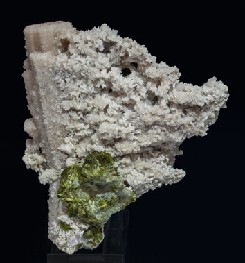 Calcite (variety kanonenspat) with Epidote. Rear