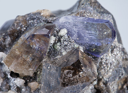 Alabandite with Zoisite (variety tanzanite) and Quartz.